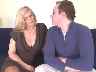 mature blonde salope baise anal