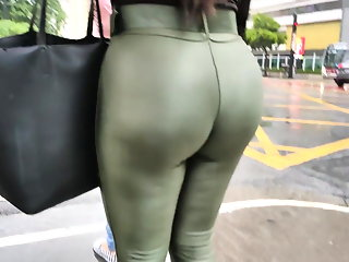 Huge big booty green legging secretary candid ass