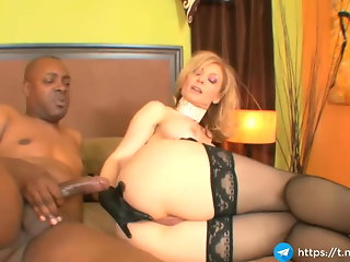 milf bitch takes nice anal her asshole with black big cock