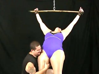 Jess Jordan Spreader Bar tickle