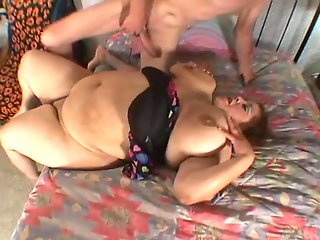 Reyna Cruz SSBBW Belly Button Fucked