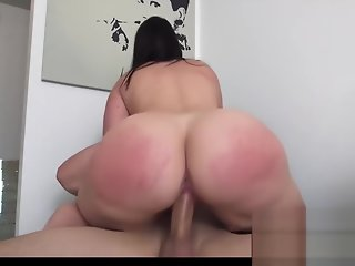 BIG BOOTY BABE RIDES AND SUCKS COCK