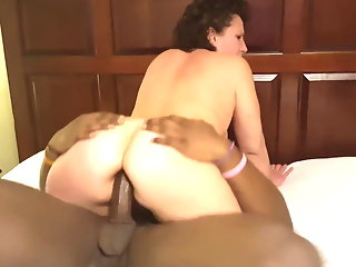 Kentucky Wife Gets Fucked in Her Ass